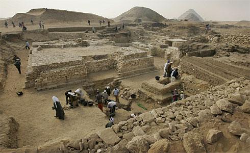 Ny dronningepyramide1