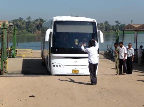 Bus_Pia