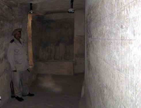 Fraser Tombs 4