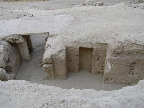 Fraser Tombs 7